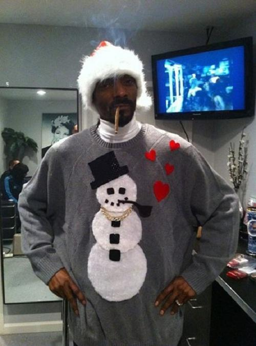 Ugliest Christmas Sweaters You'll Ever See (13 Pics)8