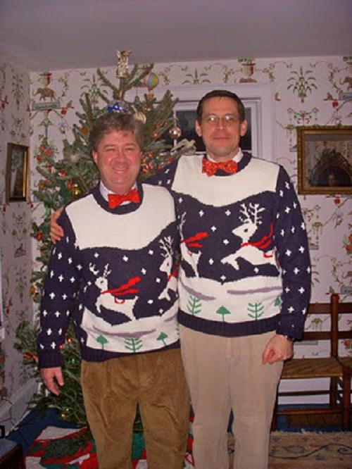 Ugliest Christmas Sweaters You'll Ever See (13 Pics)9