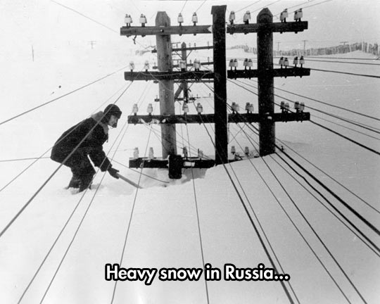 cool-Russia-snow-electric-pole