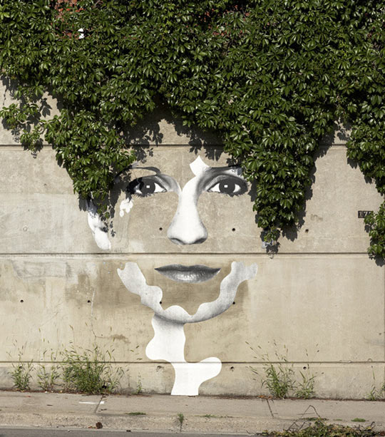 cool-face-street-woman-art-painted