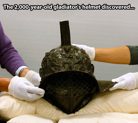 cool-gladiator-helmet-discovered