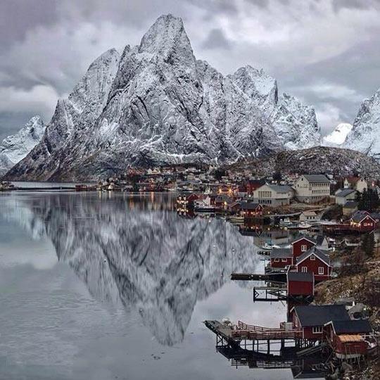 cool-landscape-Lofoten-Islands-winter-mountain
