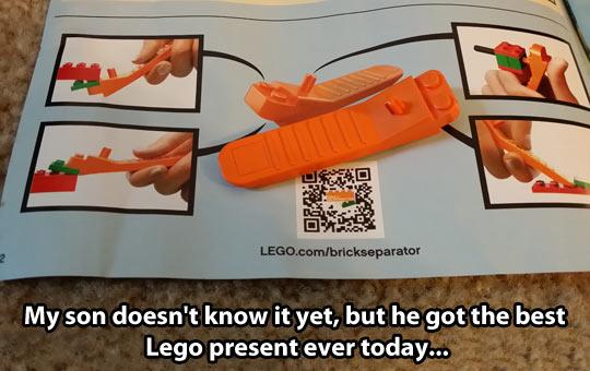 funny-Lego-bricks-separator-gift-instruction