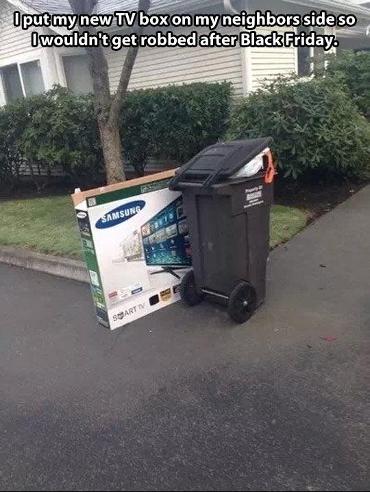funny-TV-box-Black-Friday-neighbor