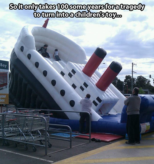 funny-Titanic-bouncy-house-children-playing