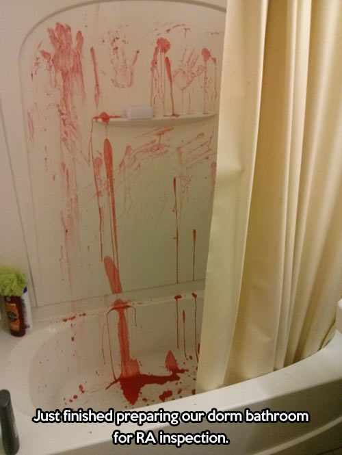 funny-bathroom-bath-red-paint-inspection