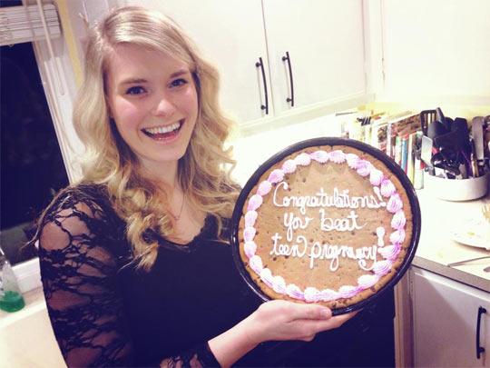funny-cake-birthday-pregnancy-beat