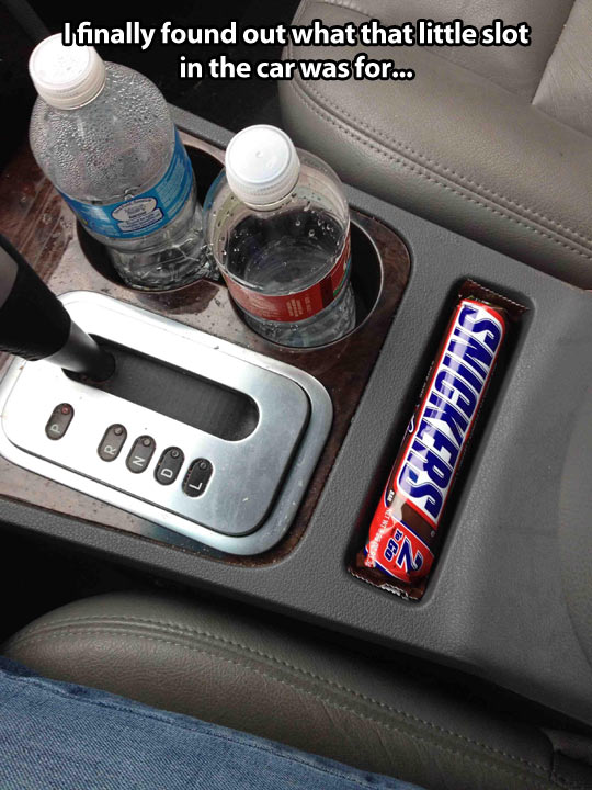 funny-car-slot-small-Snickers