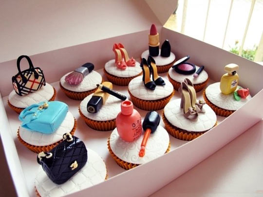 funny-cupcakes-shoes-girl-stuff-purse-lipstick-eyeliner