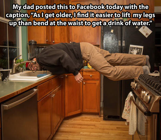 funny-dad-kitchen-water-bend