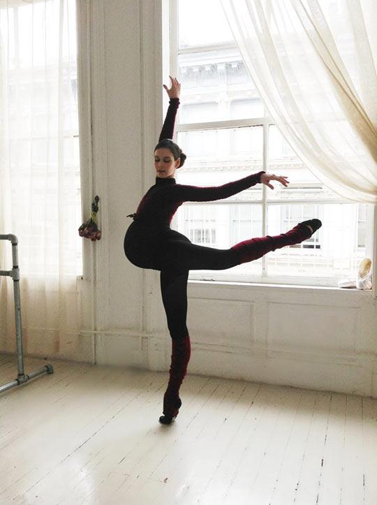 funny-dancer-ballet-pregnant-woman