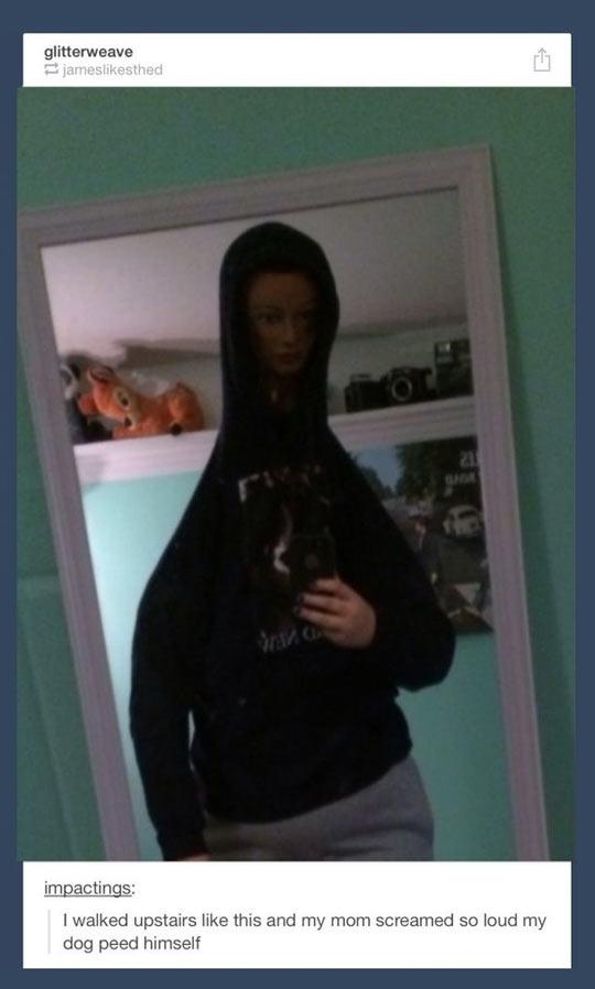 funny-disguise-hoodie-selfie-mirror-scary