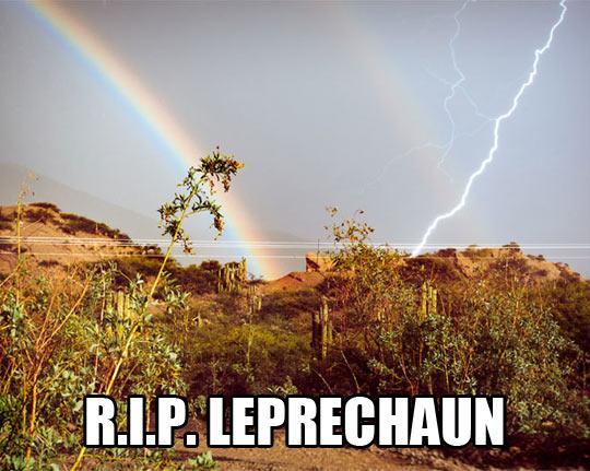 funny-elf-Leprechaun-rainbow-lightning
