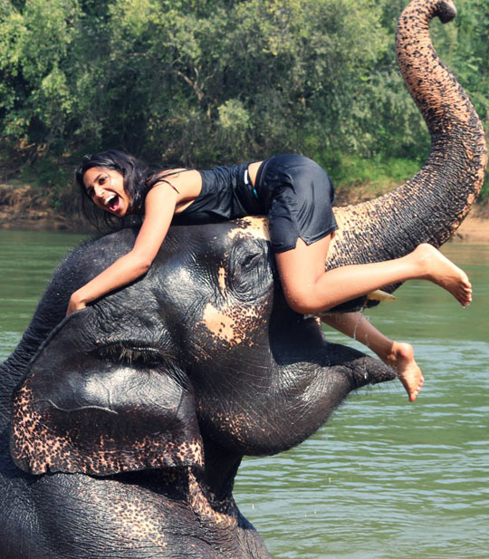 [Image: funny-girl-playing-elephant-lake1.jpg]