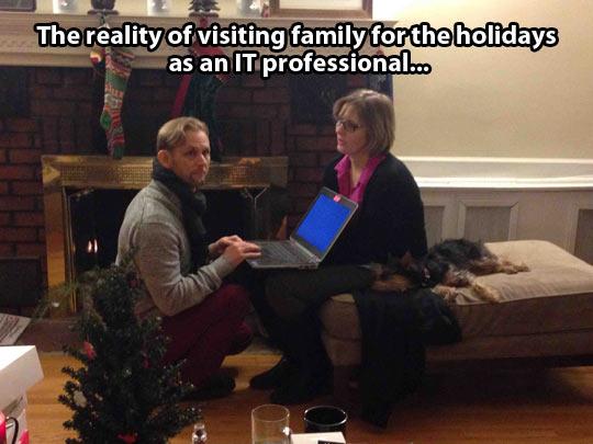 funny-holidays-computer-Christmas-man-IT