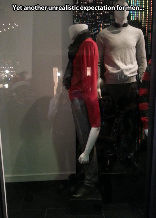 funny-mannequin-men-clothes-arm