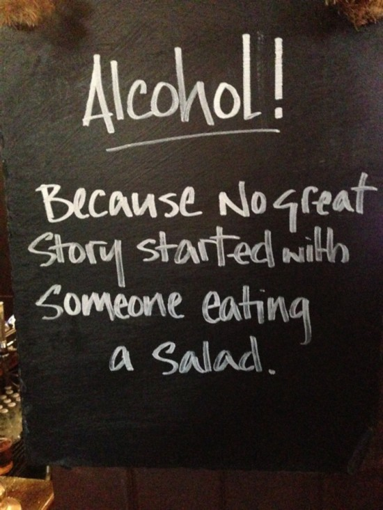 10-Funny-And-Creative-Cafe-Boards-002-550x733