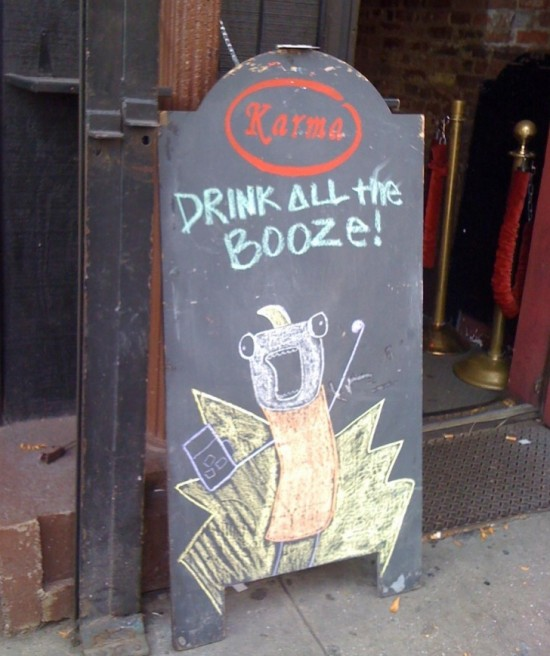 10-Funny-And-Creative-Cafe-Boards-007-550x656