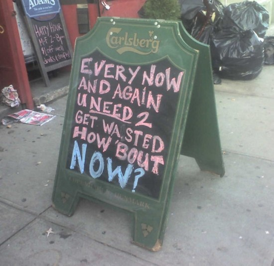 10-Funny-And-Creative-Cafe-Boards-009-550x534