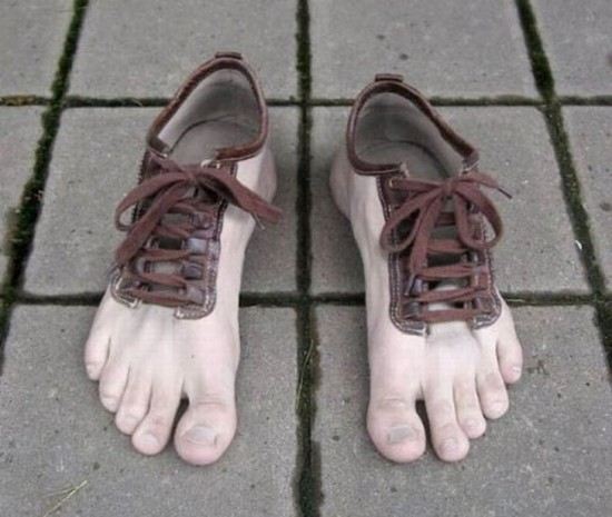 11-Hilarious-Shoes-That-Will-Make-Your-Day-001-550x465