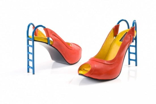 11-Hilarious-Shoes-That-Will-Make-Your-Day-004-550x368