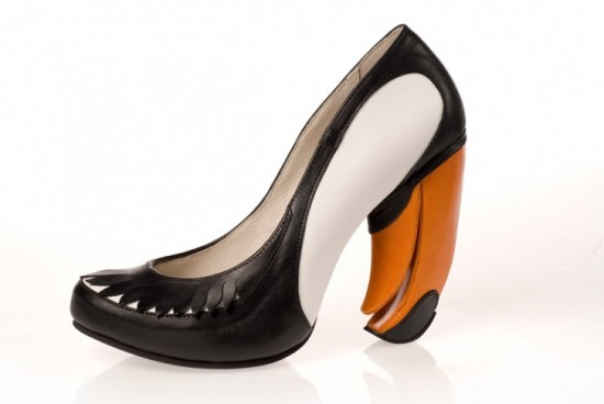 11-Hilarious-Shoes-That-Will-Make-Your-Day-005-550x368