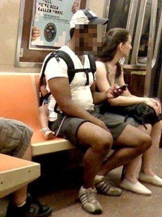 32-Strange-people-on-public-transport-004