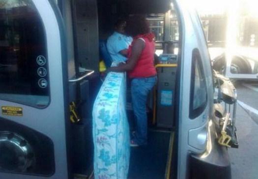 32-Strange-people-on-public-transport-006