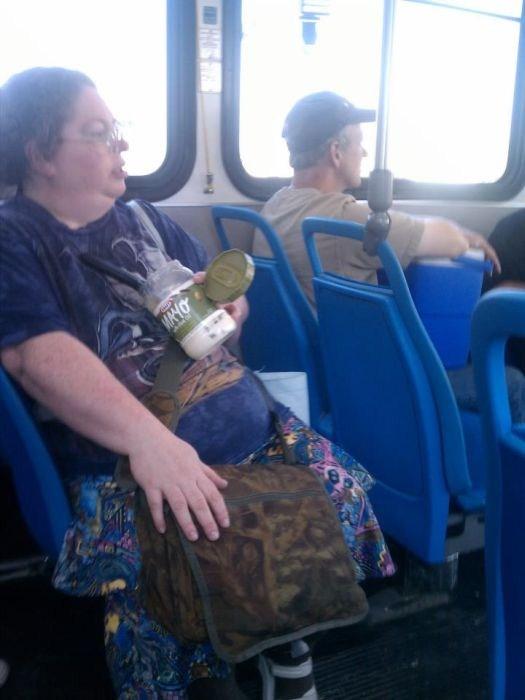 32-Strange-people-on-public-transport-015