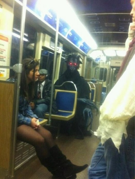 32-Strange-people-on-public-transport-027