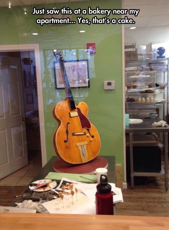 cool-guitar-cake-art-yummy