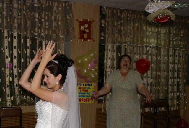 embarrassing_wedding_moments_640_11