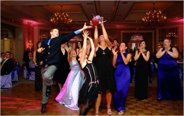 embarrassing_wedding_moments_640_21