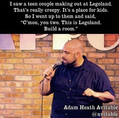 funny-Legoland-couple-stand-up