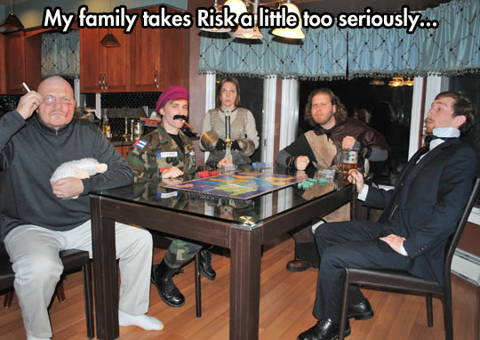 funny-Risk-costume-board-game-disguise