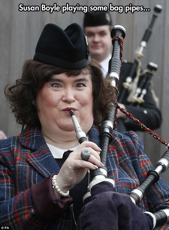 funny-Susan-Boyle-face-pipe-bag
