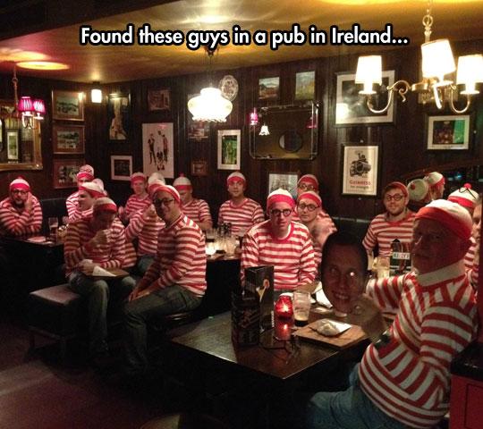 funny-bar-pub-disguise-Wally