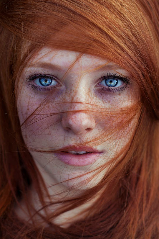 funny-beautiful-girl-eyes-ginger-staring