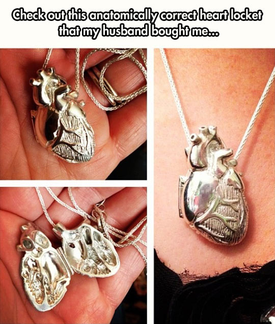 funny-necklace-heart-anatomically-correct-golden