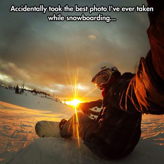 funny-snowboard-sunset-selfie-mountain