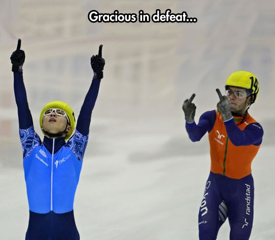 funny-speed-skating-sore-looser-finger