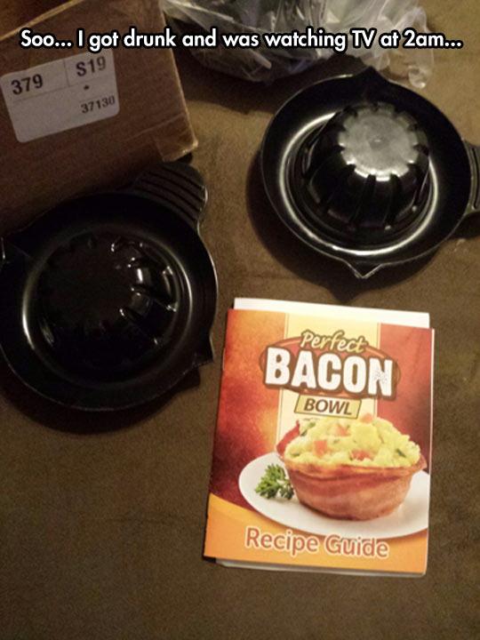 funny-tv-bacon-leaflet-night-drunk