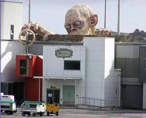 wtf-statues-gollum