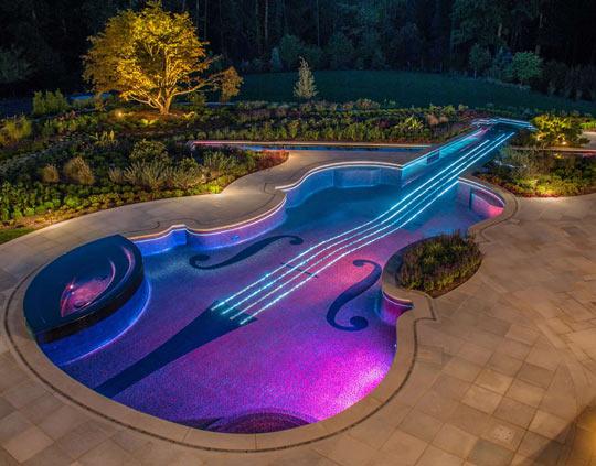 Majestic violin pool