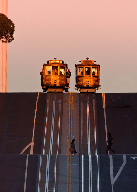 cool-San-Francisco-street-cable-car