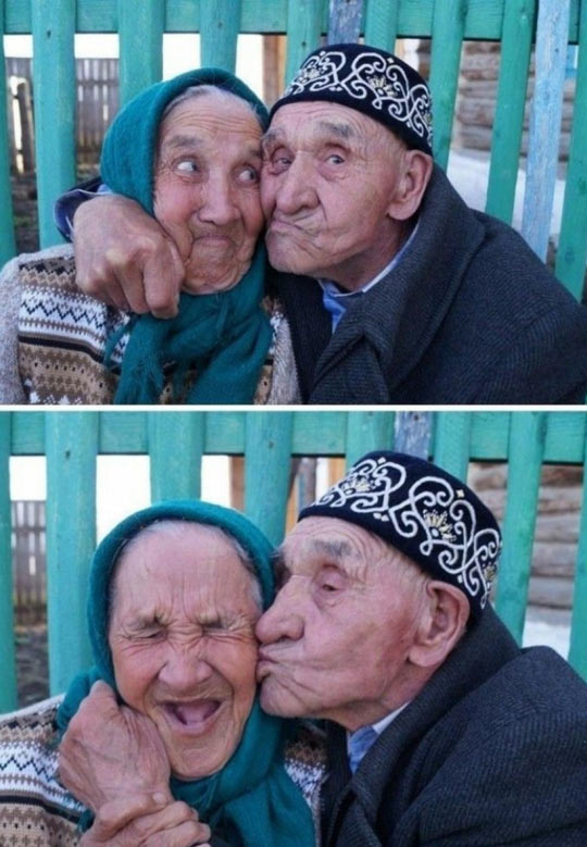 cool-elderly-couple-kissing-love