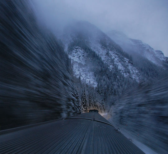 cool-train-speed-photography-snow