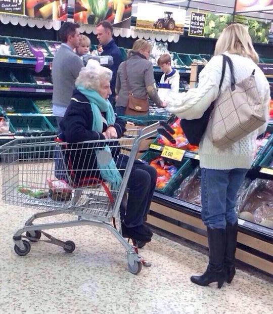 cute-grandma-shopping-cart-daughter