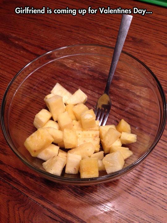funny-pineapple-bowl-fork-Valentine