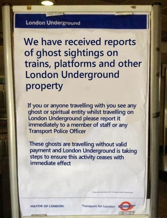 funny-sign-ghost-London-travel